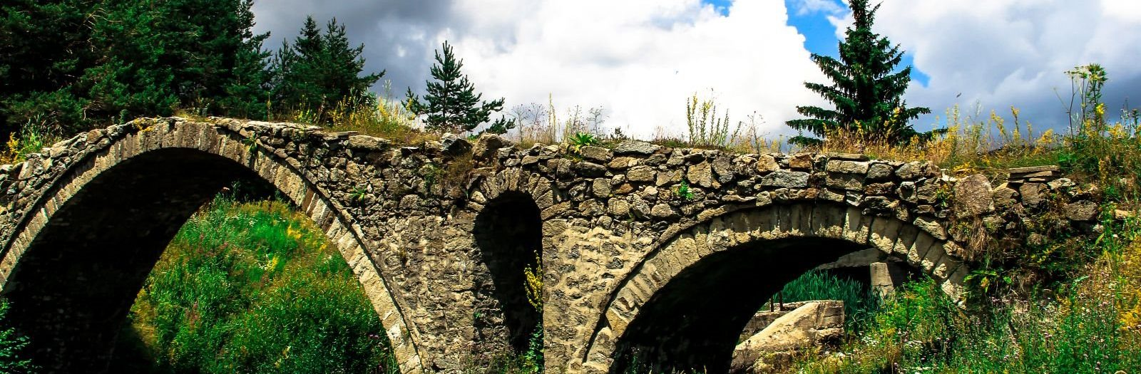 Красотата на Родопите - римски мост Кемера - село Змеица
