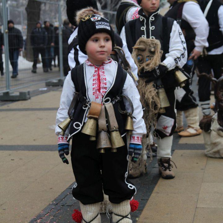 Красотата на България - деца в български носии